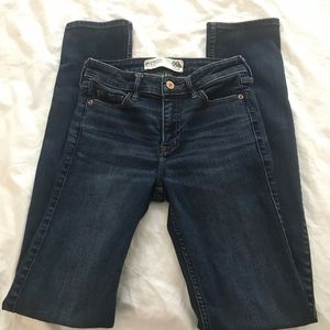 Abercrombie & Fitch straight mid rise jeans